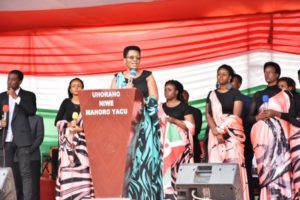 Prière d'action de grâce organisée par la famille présidentielle à Buye